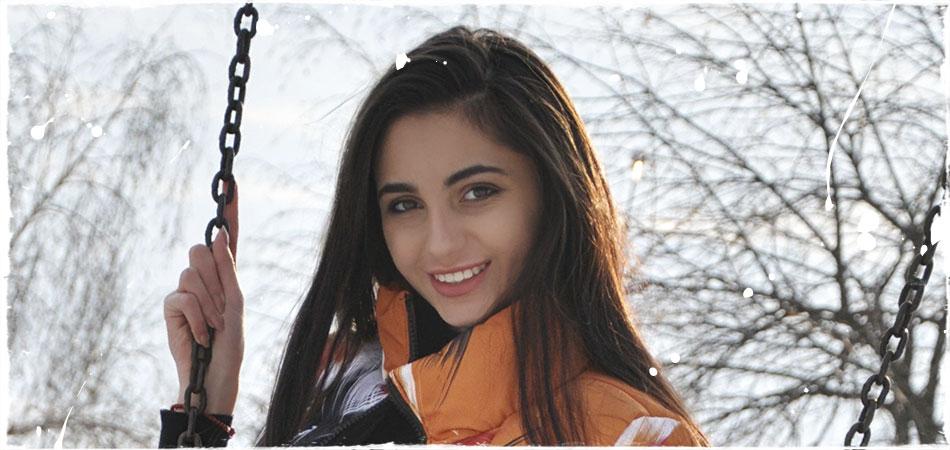 Привлекательная Ванесса Виноградова будет отрываться на ВидеоЖаре